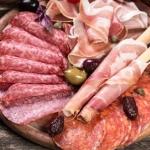 客は、美味しいストーリーを食べたがる。仮にその肉が、本当は不味くても